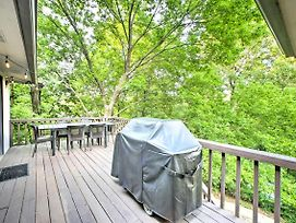 The Bella Vista Lakeside Treehouse W/Dock & Kayaks photos Exterior