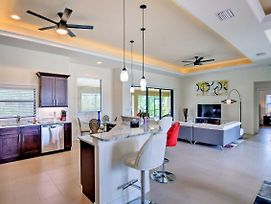 Upscale Cape Coral Home W/ Heated Pool & Lanai! photos Exterior