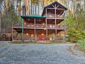 Riverfront 'Rosewater Cabin' W/Hot Tub, Game Room! photos Exterior