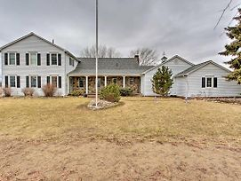 20-Acre Lake Huron Home W/Pvt Pond, Hot Tub + More photos Exterior