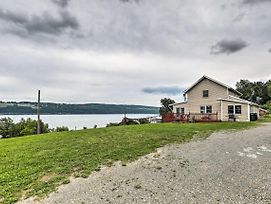 Home W/Deck Walk To Seneca Lake & Downtown! photos Exterior