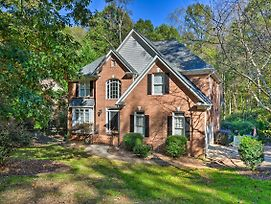 Pet-Friendly 'Queen City' Home With Pool And Bbq! photos Exterior