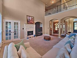 Sonoma Ranch Family Home With Deck, 5 Mi To Six Flags photos Exterior