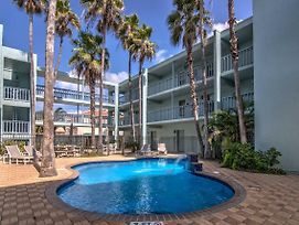 South Padre Island Condo W/Pool - Walk To Beach! photos Exterior
