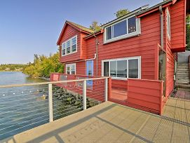 Waterfront Coupeville Home On Penn Cove With Deck! photos Exterior