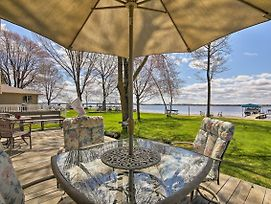 Beautiful Waterfront Home W/Dock On Shawano Lake! photos Exterior