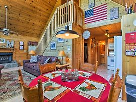 'The Moonshine' Cabin W/Hot Tub- 3 Mi To Dollywood photos Exterior