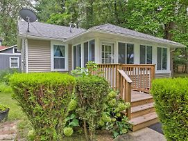 New! Cozy Union Pier Cottage - Walk To Lake/Beach! photos Exterior