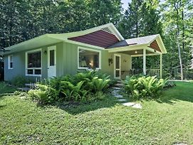 New! 'Cherry Cottage' Near Peninsula State Park! photos Exterior