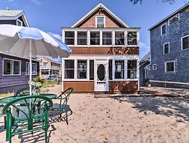 Beachfront Cottage W/Porch - On Long Island Sound photos Exterior