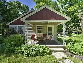 New! 'Butternut Cottage' In Central Door County! photos Exterior