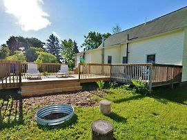 'Schooner House' Traverse City Cottage W/Deck! photos Exterior