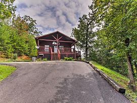 Sevierville Cabin W/ Hot Tub - Near Pigeon Forge! photos Exterior