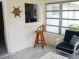 Venice Home W/Fire Pit & Grill - 10 Mins To Beach! photos Exterior
