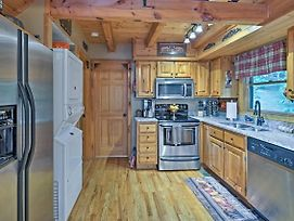 Cozy Cabin W/ Hot Tub & Views - 4 Mi To Dollywood! photos Exterior