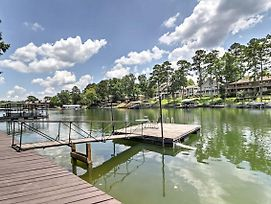 Cute Lakefront Hot Springs Condo W/Balcony & Dock! photos Exterior