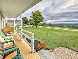 Cozy Home With Vineyard, Working Farm And Fall Foliage photos Exterior