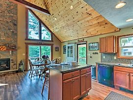 3-Story Lk Harmony Resort Chalet With Fire Pit And Deck photos Exterior