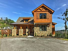 Sevierville Home W/Hot Tub, Theater & Game Room! photos Exterior