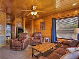 Pigeon Forge Cabin W/Hot Tub, Views & Resort Pool! photos Exterior