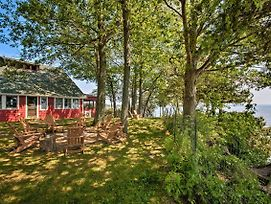Rustic Lake House On Lake Champlain'S Barney Point photos Exterior