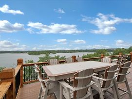 Home W/ Decks & Pool Access On Table Rock Lake! photos Exterior