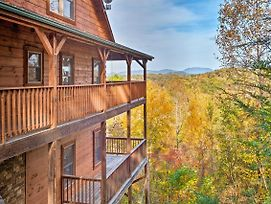 Pigeon Forge Area Cabin W/Mountain Views & Hot Tub photos Exterior