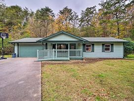 Cozy Home W/ Game Room & Yard Near Pigeon Forge photos Exterior
