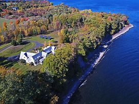 Stunning South Hero Home On Lake Champlain With Views photos Exterior