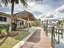 Waterfront Matlacha Home W/Private Dock, Boatlift! photos Exterior