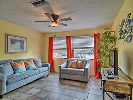 Renovated Oceanside Retreat In Indian Rocks Beach! photos Exterior