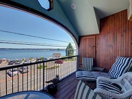 Spacious Lincolnville Penthouse - Walk To Beach! photos Exterior