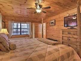'Southern Haven' W/Hot Tub - 3 Mi To Pigeon Forge! photos Exterior