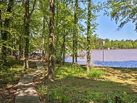 Lakefront Milledgeville Cabin - Private Dock, Porch photos Exterior