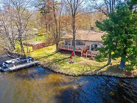 Remodeled Rice Lake 'Hideaway' W/Pontoon Rental! photos Exterior