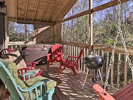Renovated Smoky Mtn Cabin - Hot Tub, Trees, Peace! photos Exterior