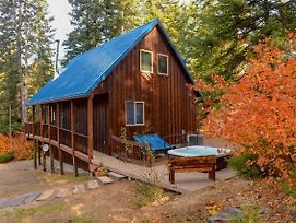 Lovely Leavenworth Cabin W/Hot Tub-Ideally Located photos Exterior