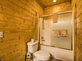 New Resort Sevierville Cabin W/Hot Tub & Game Room photos Exterior