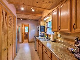 Cozy Fleetwood Cabin Near Hiking & Fishing! photos Exterior