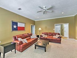 College Station Home W/Yard - 5 Mins To A&M! photos Exterior