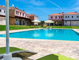 Villa With Swimming Pool Near The Beach photos Exterior