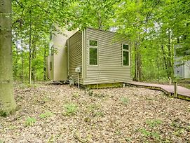 Modern Michigan City Cabin ~5 Miles To Beach! photos Exterior