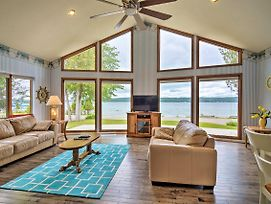 Lake Charlevoix Home W/Hot Tub, 2Mi To Boyne! photos Exterior