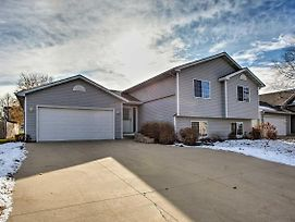 Suburban Gem 5 Miles From Downtown Rochester! photos Exterior
