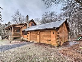 Luxe Pocono Cabin W/Deck For Skiers/Families photos Exterior