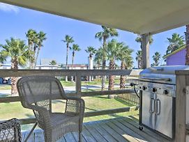 New! Pet-Friendly Gulf Coast Haven - Walk To Beach photos Exterior