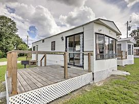 Silver Springs Cabin W/ Deck - Steps To The Lake! photos Exterior