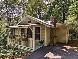 New-Saluda Cottage W/ Deck - 5Min Walk To Downtown photos Exterior
