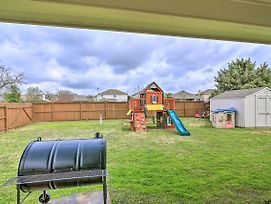 San Antonio Home With Pool Access - By Seaworld! photos Exterior