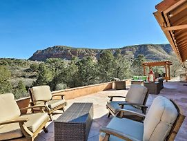 Secluded Sedona Home With Patio And Red Rock Views photos Exterior